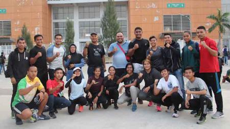Kontingen Sumatera Utara yang mengikuti Kejurnas Atletik 2019 di Stadion Pakansari. - INDOSPORT
