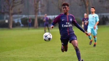 Romaric Yapi pemain Paris Saint-Germain U-19. - INDOSPORT