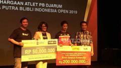 Indosport - Kevin Sanjaya mendapat hadiah ratusan juta.