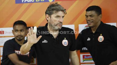 Pelatih Persija Jakarta, Julio Banuelos. - INDOSPORT