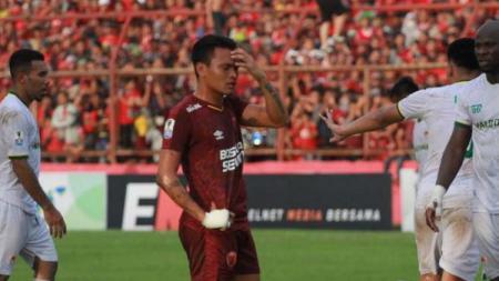 Pada tanggal 17 Juli 2019, duel PSM Makassar melawan Persebaya Surabaya diwarnai dengan sebuah gol dari Irfan Jaya dan Ferdinand Sinaga menjadi supersub. - INDOSPORT