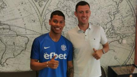 Darren Sidoel diperkenalkan sebagai pemain anyar FC Arda - INDOSPORT