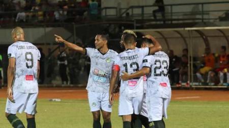 Bek kiri Tira Persikabo, Abduh Lestaluhu akhirnya angkat bicara terkait hasil buruk yang diterima tim di 14 laga terakhir Liga 1 2019. - INDOSPORT