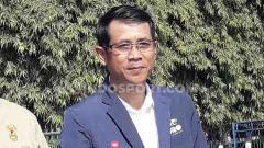 Indosport - Pelatih Persik Kediri, Joko Susilo kini tengah menunggu lampu hijau dari manajemen, dalam kelanjutan program tim pasca kepastian status kompetisi Liga 1.