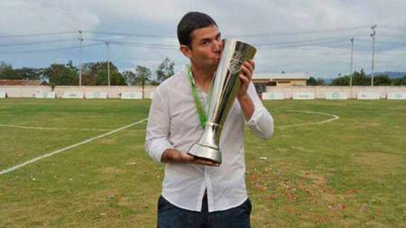 Pelatih asal Chile Simon Elissetche bisa menjadi pilihan PSIS Semarang di sisa kompetisi Shopee Liga 1 2019. - INDOSPORT