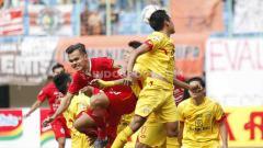 Indosport - Beda nasib 2 tim Liga 1 2020 yang bertabur bintang di Piala Gubernur Jatim: Persija Jakarta vs Bhayangkara FC.