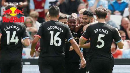 Raheem Sterling berselebrasi usai mencetak gol ke gawang West Ham United, Sabtu (10/08/2019). - INDOSPORT