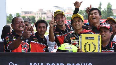 Rafid Topan Sucipto rider Indonesia kuasai klasemen ARRC AP250. - INDOSPORT
