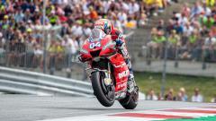 Indosport - Bicara soal masa pensiun dari MotoGP, Andrea Dovizioso dinilai berbeda dari Valentino Rossi.