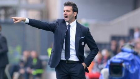 Mantan pelatih Inter Milan, Andrea Stramaccioni, akan mundur menangani klub Iran. - INDOSPORT