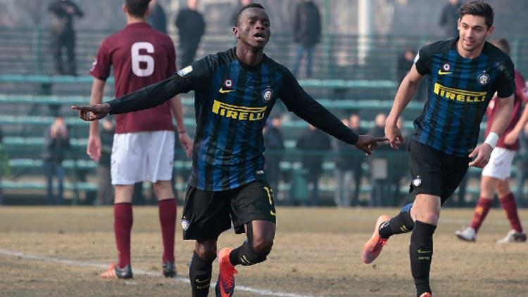 Pemain muda Inter Milan, Moussa Souare bisa diboyong klub Liga 1 2019 di putaran kedua. Copyright: passioneinter.com