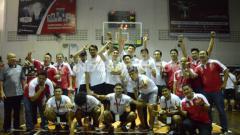 Indosport - Indonesia Selection juara ketiga di Elang Cup Basketball Tournament 2019. (Foto : Aldi Aulia Anwar/INDOSPORT)