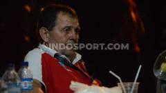 Indosport - Pelatih Timnas Basket Putra Indonesia, Rajko Toroman. (Foto : Aldi Aulia Anwar/INDOSPORT)
