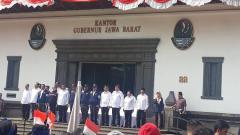 Indosport - Upacara peresmian persiapan PON 2020 kontingen Jawa Barat di Gebung Sate, Bandung. Foto: Israelly Kawengian/INDOSPORT