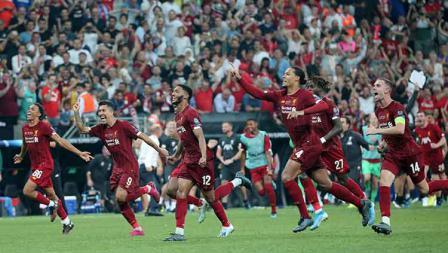 Para pemain Liverpool lari gembira setelah mereka menentukan sebagai juara Piala Super Eropa melawan Chelsea. Kamis, (15/08/19) Istanbul, Turkey. Metin Pala/Anadolu Agency/Getty Images