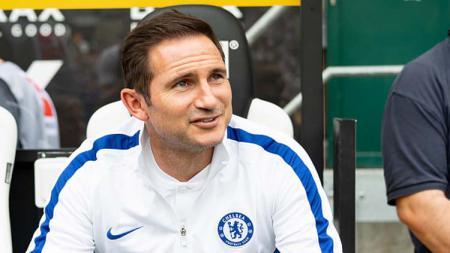 Pelatih klub Liga Inggris Chelsea, Frank Lampard, dikabarkan siap belanja besar jika kabar bahagia pencabutan hukuman larangan transfer diterima. - INDOSPORT