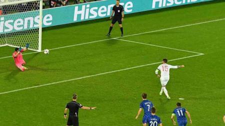 Liverpool didesak untuk merekrut kiper finalis Piala Dunia 2018, yaitu Danijel Subasic sebagai solusi pengganti Alisson Becker yang mengalami cedera. - INDOSPORT