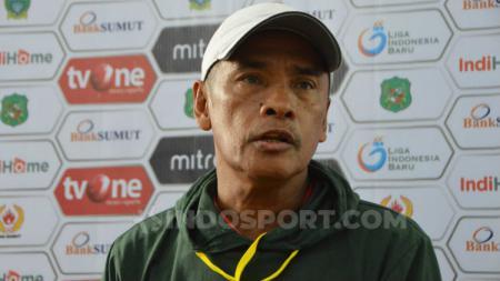 Pelatih PSMS Medan, Abdul Rahman Gurning. (Foto: Aldi Aulia Anwar/INDOSPORT) - INDOSPORT