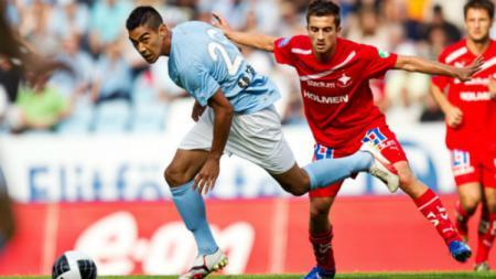 Pemain baru Persib Bandung Omid Nazari saat bermain di Liga Swedia bersama Malmo. - INDOSPORT