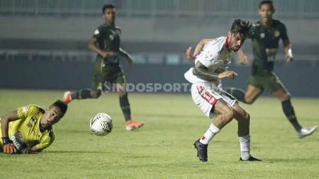 Pelatih Bali United, Stefano Cugurra Teco memastikan Stefano Lilipaly masih berpotensi jadi bagian dari timnya pada musim 2021. - INDOSPORT