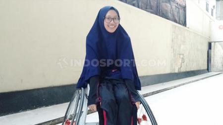 Nadhifa Ramadhani, Gadis cantik pejuang kanker yang suka bermain basket. - INDOSPORT