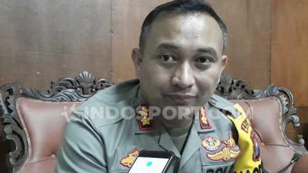 Kapolres Malang, AKBP Yade Setiawan Ujung - INDOSPORT
