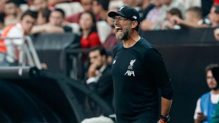 Liverpool saat ini memang sedang onfire, karena belum menelan kekalahan hingga pekan ke-16 Liga Inggris. Meski begitu, Jurgen Klopp masih meminta satu hal. - INDOSPORT