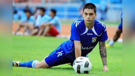Mantan pemain Persiba Balikpapan asal Filipina, Jason de Jong. Foto: Facebook Jason Dantes de Jong - INDOSPORT