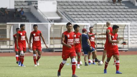 Bek kanan PSM Makassar, Zulkifli Syukur. - INDOSPORT