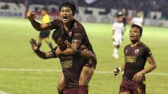 Indosport - Selebrasi pemain PSM Makassar usai mencetak gol ke gawang Persib Bandung, Sabtu (18/08/19). Foto: Instagram@ary_photo/Instagram