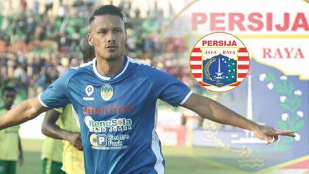 Raphael Maitimo dan logo Persija Jakarta. - INDOSPORT