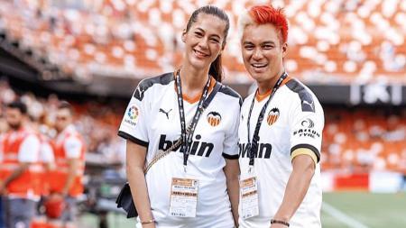 Paula Verhoeven bersama dengan suaminya, Baim Wong. - INDOSPORT