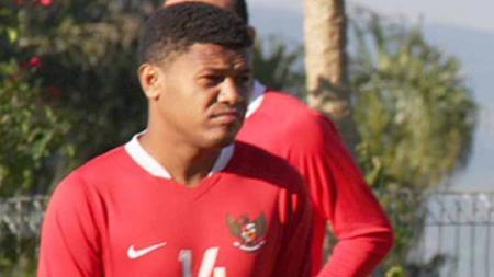Eks pemain timnas Indonesia dan bintang Persipura Jayapura, Stevie Bonsapia, turut mengomentari kepindahan Imanuel Wanggai ke Borneo FC. - INDOSPORT
