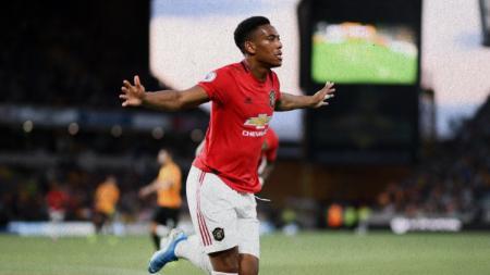 Anthony Martial lakukan selebrasi usai mencetak gol dalam pertandingan Wolverhamptons vs Manchester United - INDOSPORT