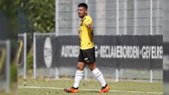 Indosport - Nazario de Fretes saat masih berseragam NAC Breda U-21.