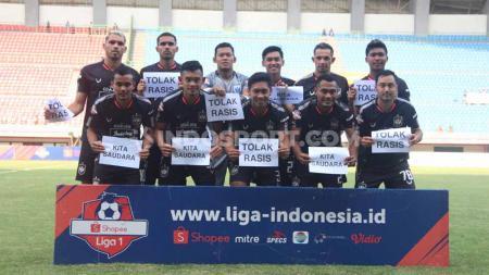Para pemain PSIS Semarang saat ini sedang menikmati waktu libur yang diberikan oleh tim pelatih usai takluk dengan skor 2-1 dari Persib Bandung pada laga pekan ke-27 kompetisi Shopee Liga 1 2019. - INDOSPORT