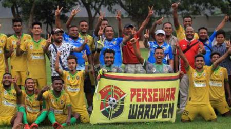 Ingin didukung suporter sendiri, Persewar Waropen balik ke Papua. - INDOSPORT