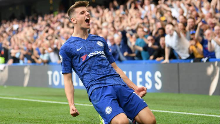 Mason Mount selebrasi di laga Chelsea vs Leicester City. Copyright: Michael Regan/Getty Images