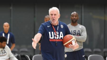 Pelatih Timnas Basket Amerika Serikat, Gregg Popovich, ungkap pesaing berat di FIBA World Cup 2019. - INDOSPORT