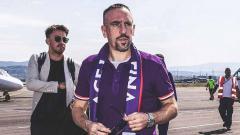 Indosport - Frank Ribery mendarat di bandara Peretola.