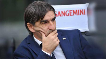Pelatih Hellas Verona, Ivan Juric, merasa tidak terima timnya kalah dari AC Milan 0-1 dalam lanjutan pekan ketiga Serie A Italia 2019/20, Senin (16/9/19). - INDOSPORT