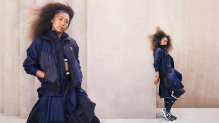 Naomi Osaka memamerkan apparel terbarunya jelang AS Terbuka 2019. - INDOSPORT