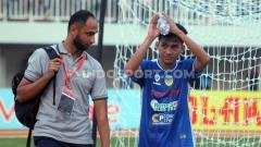 Indosport - Debut Witan Sulaeman di kompetisi profesional pertandingan antara PSIM Yogyakarta VS Persiba Balikpapan.