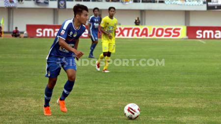 Diketahui kalau menit debut perdana wonderkid Indonesia Witan Sulaeman beda hingga 2 kali lipat lebih dari Syamsir Alam di Eropa. - INDOSPORT