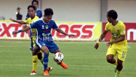 Talenta berbakat Indonesia Witan Sulaeman ikuti langkah eks Persib Bandung Yandi Sofyan di Eropa usai main dua kali secara beruntun. - INDOSPORT
