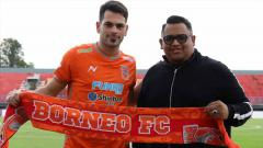 Indosport - Juan Ramon Alsina, eks Liverpool yang kini resmi bergabung dengan Borneo FC.