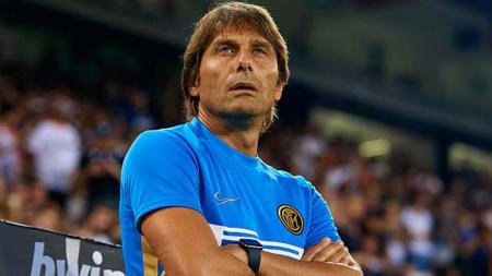 Antonio Conte berhasil membuat sejarah baru bagi dirinya usai Inter Milan memenangkan pertandingan pekan pertama Serie A Italia melawan Lecce dengan skor 4-0. - INDOSPORT
