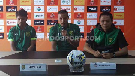 Bejo Sugiantoro dan M Hidayat saat konfrensi pers, Jumat (23/08/19). - INDOSPORT