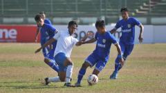 Indosport - Situasi pertandingan Persib Bandung U-20 vs PSIS Semarang U-20.