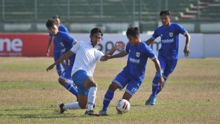 Situasi pertandingan Persib Bandung U-20 vs PSIS Semarang U-20. - INDOSPORT
